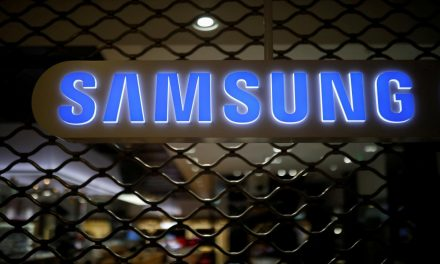 Samsung Elec unveils stock split, record profit as chips sizzle