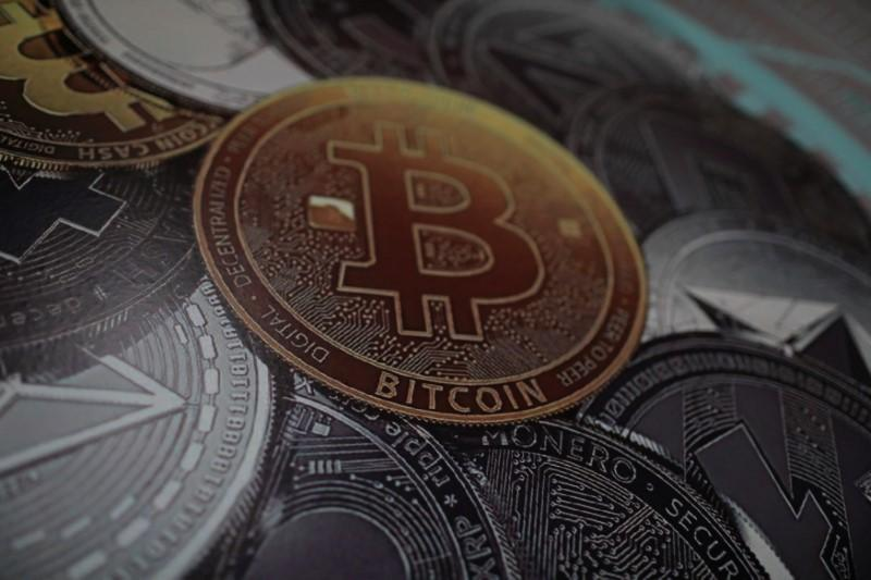 Bitcoin skids below $6,000, hits lowest level since November